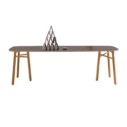 Sakti | Dining tables | Discipline