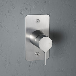 Volcano | Stainless steel Wall mounted mixer | Shower controls | Quadrodesign
