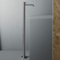 Source | Free standing mounted mixer | Wash-basin taps | Quadro