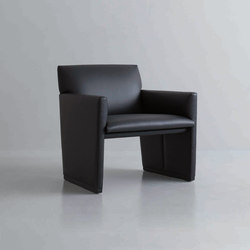 SLED | lounge chair | Sessel | By interiors inc.