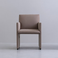 SLED | chair | Sedie | By interiors inc.