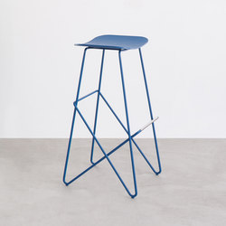 Endless stool | Taburetes de bar | Desalto