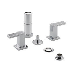Two-Handle Bidet Faucet with Metal Handles | Robinetterie de bidet | Brizo