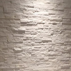 Realstone Systems Shadowstone | Arctic White | Natural stone tiles | Tango Tile