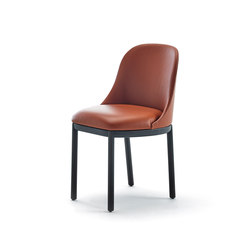 Aleta chair wooden base | Chaises | viccarbe