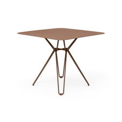 Tio Dining Table 85x85   Dining tables   Massproductions