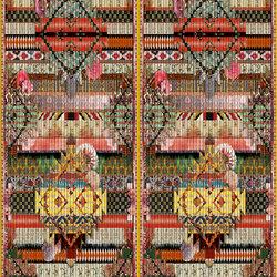 Au Thèâtre Ce Soir Wallpaper | Fetiche - Arlequin | Wall coverings / wallpapers | Designers Guild