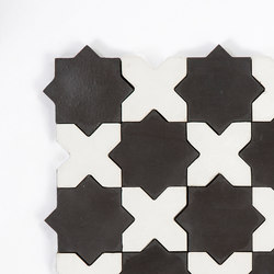 Star & Cross-BlackWhite | Piastrelle cemento | Granada Tile