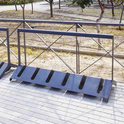 velo | Two-sided bicycle stand with bar | Bicycle stands | mmcité
