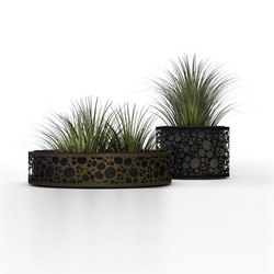 Nyon II | NYO 00 | Plant pots | Made Design