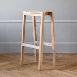 Halikko bar stool | Taburetes de bar | Made by Choice