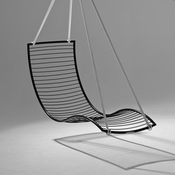 Curve hanging swing chair | Garden chairs | Studio Stirling