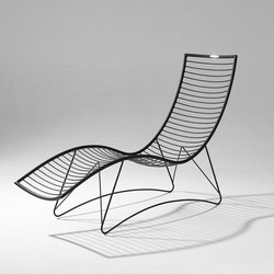 Wave Lounger / Daybed on base Stand | Sdraio da giardino | Studio Stirling