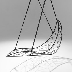 Leaf hanging swing chair | Gartenstühle | Studio Stirling