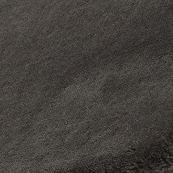 Amber solid dark slate | Formatteppiche / Designerteppiche | Miinu