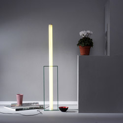 Light Object 005/02 | Luminaires de table | Naama Hofman