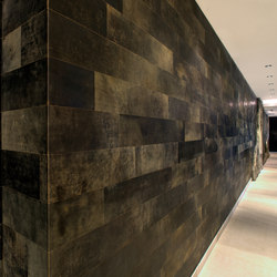 Leather wall | Carta parati / tappezzeria | Freund