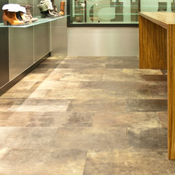 Leather floor | Baldosas de cuero | Freund