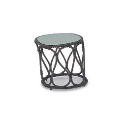 Forma End Table | Tables d'appoint de jardin | Kenneth Cobonpue