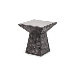 Marcel End Table | Tables d'appoint de jardin | Kenneth Cobonpue