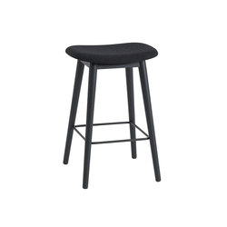 Fiber Bar Stool | wood base - black | Bar stools | Muuto