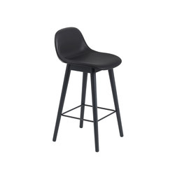 Fiber Bar Stool | wood base - black leather | Barhocker | Muuto