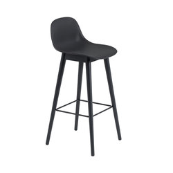 Fiber Bar Stool | wood base - black | Tabourets de bar | Muuto