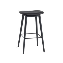Fiber Bar Stool | wood base - black leather | Taburetes de bar | Muuto