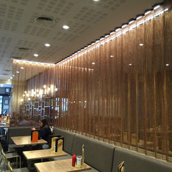 Space Divider Undulated Restaurant | Metall Gewebe | Kriskadecor