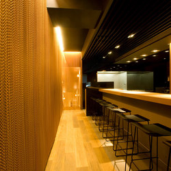 Wallcovering Straight Restaurant | Tele metallo | Kriskadecor