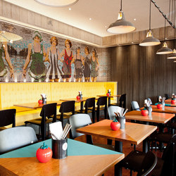 Wallcovering Straight Restaurant Images | Toiles métalliques | Kriskadecor