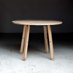 The Crux Table | Tables de repas | Harkavy Furniture