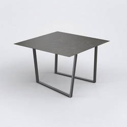 Dritto Dining Table 120 x 120 cm | Dining tables | Salvatori