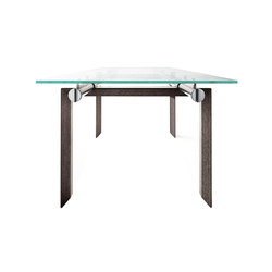 Stilt table | Dining tables | Desalto