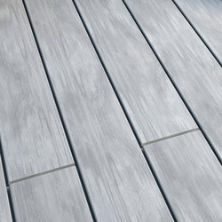 Atmosphere | Brushed Decking board - Ushuaïa Grey | Flooring | Silvadec