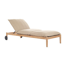 Terassi Chaise | Sun loungers | Design Within Reach