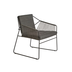 Sandur armchair low dining full woven | Stühle | Oasiq