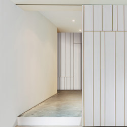 Line | Sliding Door | Internal doors | Laurameroni