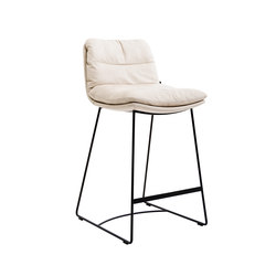 Arva Counterstool and Barstool | Taburetes de bar | KFF