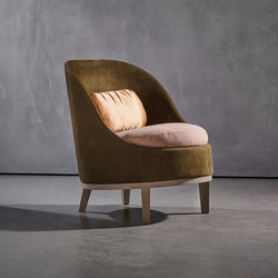 BELLE armchair | Sessel | Piet Boon