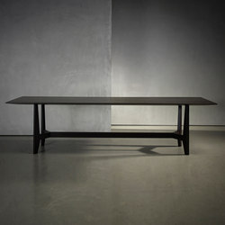 YKE table | Dining tables | Piet Boon