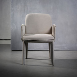 MINNE dining armchair | Chairs | Piet Boon
