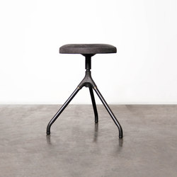 Akron low stool | Sgabelli | District Eight