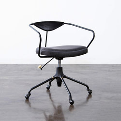 Akron desk chair | Arbeitsdrehstühle | District Eight