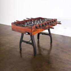 Games | Foosball table | Mesas de juegos | District Eight