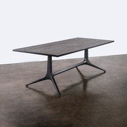 Kahn trestle dining table | Tables de repas | District Eight