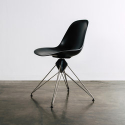 Kahn dining chair | Sedie | District Eight