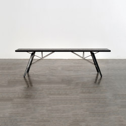 Kahn dining bench | Bancos | District Eight