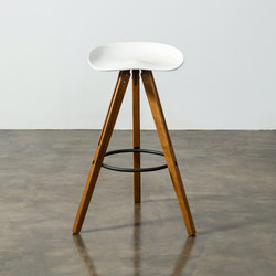 Theo tractor bar stool | Bar stools | District Eight
