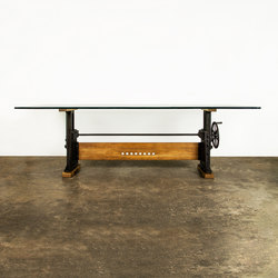 Le Loi  table | Dining tables | District Eight